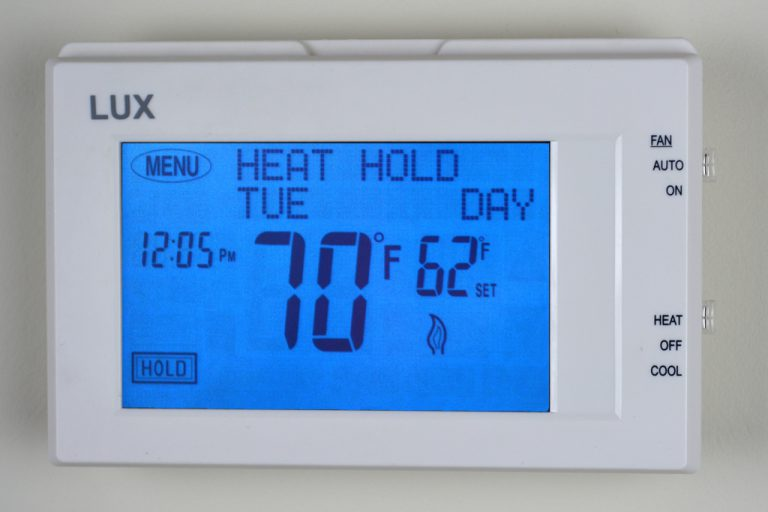 heating and cooling thermostat